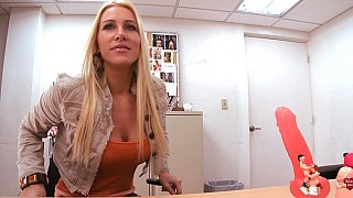 Blonde MILF Jaime Appelgate