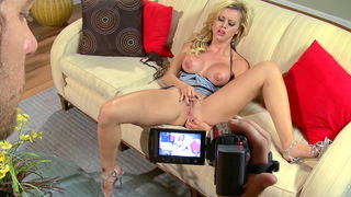 Young latina Jessie Rogers rubs her clit on cam