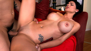 Innocent girl Jasmine Caro took his shlong in her shaved cunt