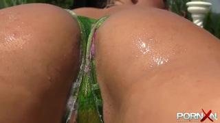 Paula's Perfect Booty