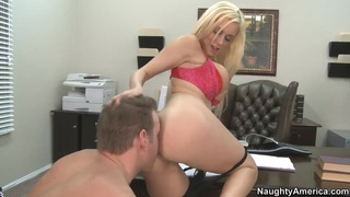 Naughty blonde babe Mariah Madysinn giving a blow job before a fuck