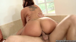 Kelly Divine gets ass fucked by Mr. Peter