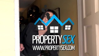 Pretty realtor uses her pussy to convince buyer
