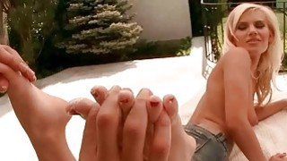 Blonde enjoys hot foot massage and sex