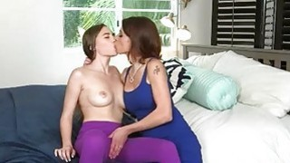 Teen girl Skye West and busty milf Eva Long lesbian session