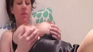Pregnant hottie enjoys good masturbation