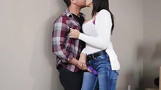 Huge boobs milf Reagan Foxx gets fucked by younger dude