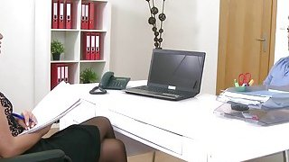 Female agent in stockings bangs amateur guy