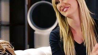 Sweet hottie babe Alexis Fawx want pleasure for fun