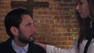 Paroled criminal punishes Mormon babe