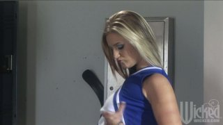 Nerdy janitor gets lucky with sexy slut Daryn Darby in the locker room
