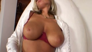 Solo girl Sheila Grant goes wild in the hall way