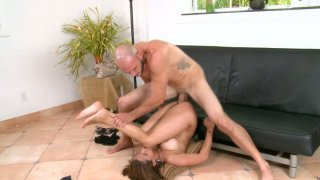 Beautiful mulatto woman gets her sweet poon drilled