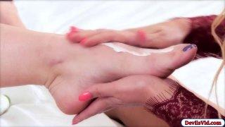 Lesbian babe fingers her slut roommate