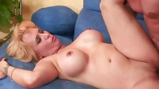 Mature blonde Sophia Mounds gets her pussy filled