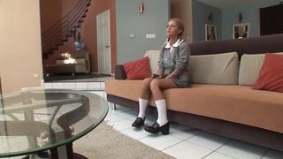 A good schoolgirl gets hardcored