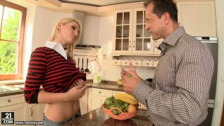 Cheating housewife Niki Sand gets doggyfucked in the kitchen