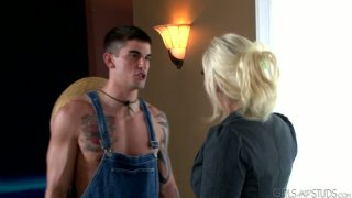 Brittany Amber seduces and blows dick of sexy lawnmower Tyler Torro
