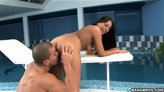 Swimming party with sexy Simony Diamond