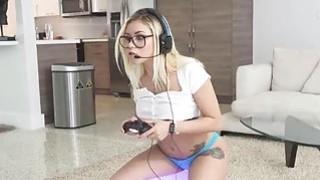 Banging assy bigtit nerd GF while playing