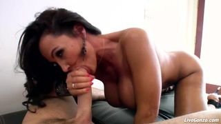 LiveGonzo Lisa Ann Mature Brunette That Makes You Cum