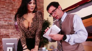 Slutty brunette MILF Diana Prince blows nerd's small cock